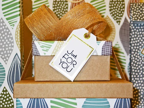 Want to Find the Best Gift Designers in Town? Here Are Three Great Tips