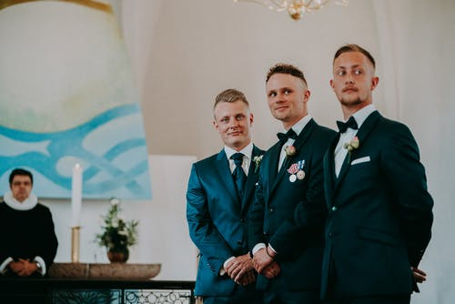 Wedding planning guidelines for groomsmen