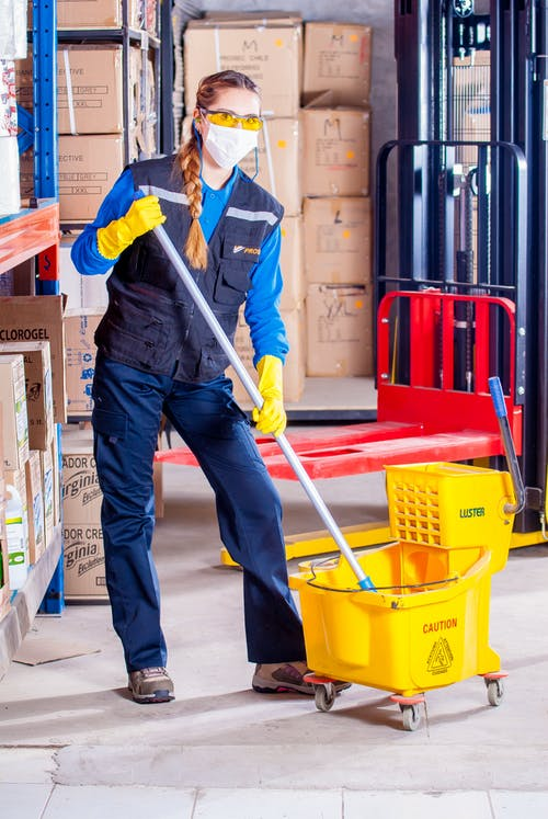 The 5 Benefits of Getting A Commercial Cleaner for Your Office
