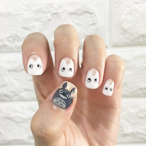 The great advantages of using sticker art for nails