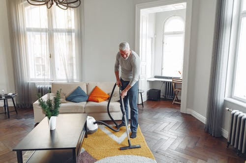 Reasons to rely on a professional cleaning service for your office