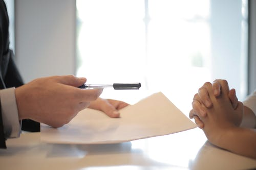 How To Pick the Right Insurance Broker for Your Business?